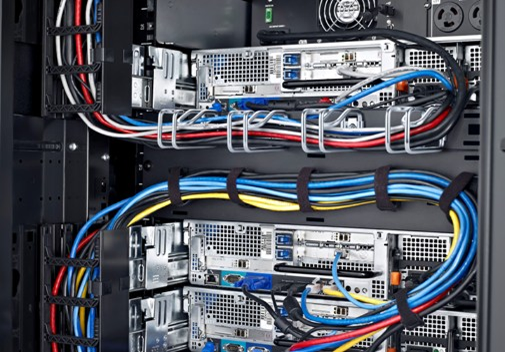Cable management accessories for Dell's PowerEdge rack enclosures include vertical cable managers, horizontal crossover panels, metal cable rings and hook-and-loop straps.