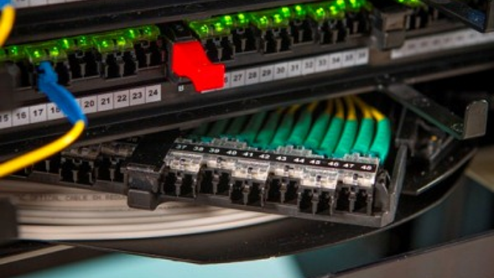 TE Connectivity's QRapid Fiber Panel incorporates Quareo physical layer management technology, for real-time visibility to network adds, moves, and changes.