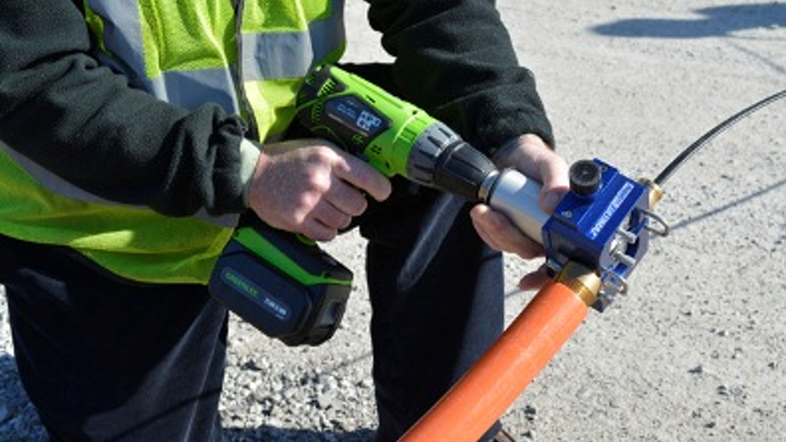 The handheld version of the ULTIMAZ Point-to-Point Hybrid Fiber Drop Installation System enables the installation of fiber-optic cable through CableJetting, at speeds up to 600 feet per minute. The ULTIMAZ also is available in a stand-mounted version.