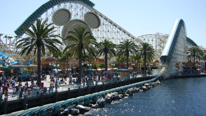 800px Californiaadv Rollercoaster Water