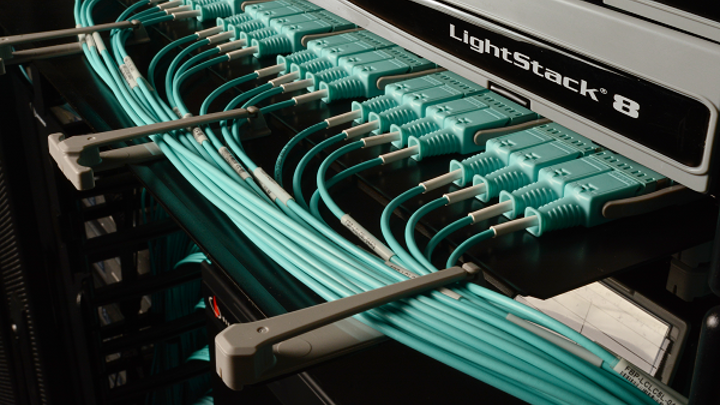 Content Dam Cim Gallery En Articles 2018 09 Cabling Awards Gold Honorees Siemonlightstack