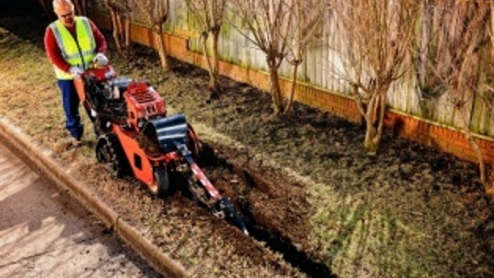 Content Dam Etc Medialib New Lib Cablinginstall Online Articles 2012 February Ditch Witch Walk Behind Trencher 87470