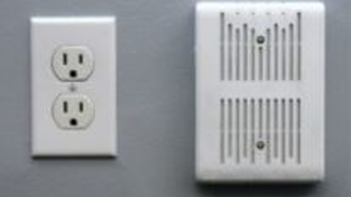 The DZS 2804P optical network terminal (ONT), shown here on the right, is in each open-office space of T. Marzetti executives. The ONT houses four Gigabit Ethernet ports to connect to printers and deliver voice and data services to each desk.